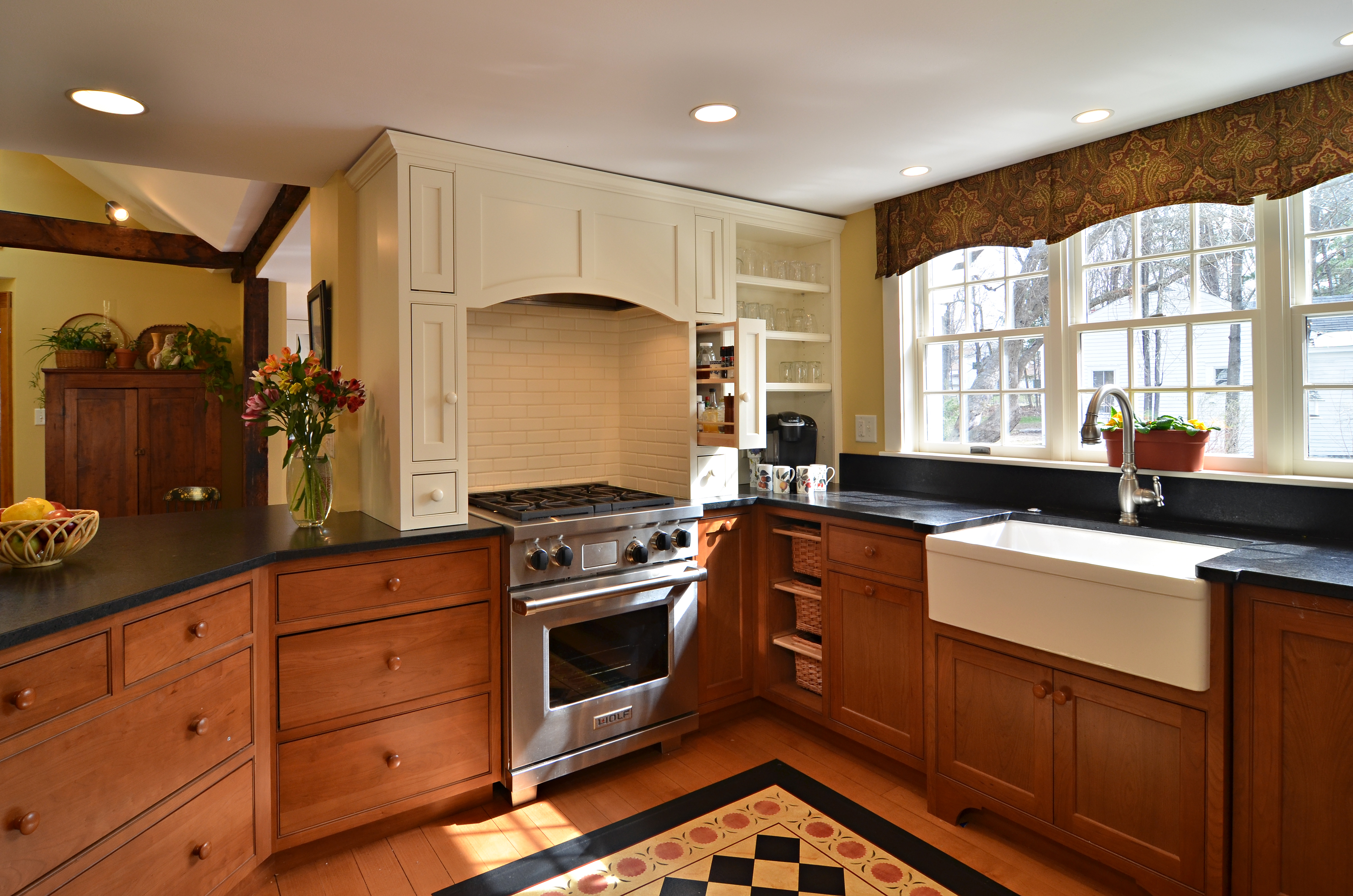 Antique Home Amherst Nh Currier Kitchens