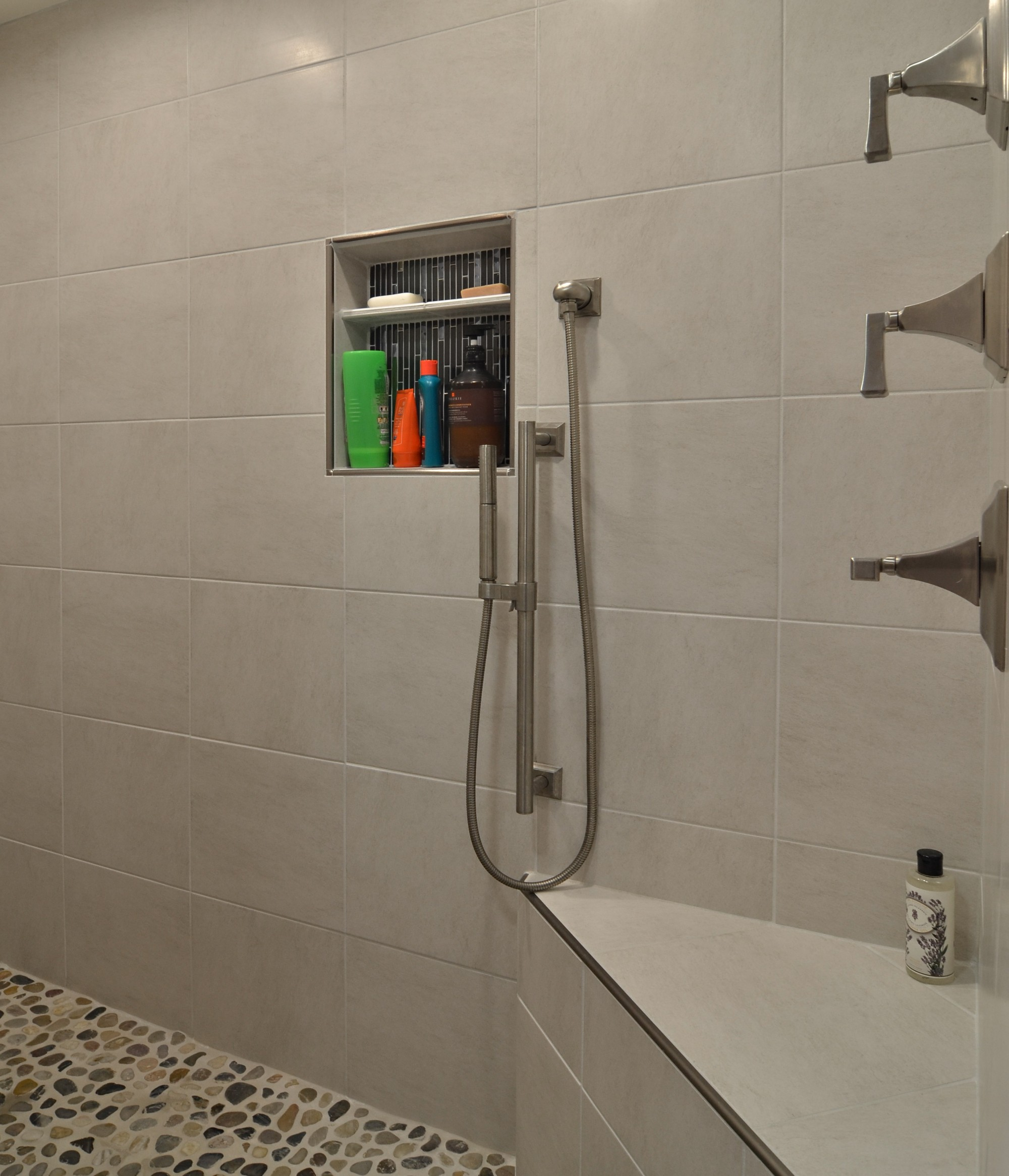 STORYBROOK SHOWER INTERIOR
